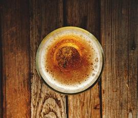 """В """"Балтике"""" сомневаются, что в их пиве могли найти кишечную палочку"""
