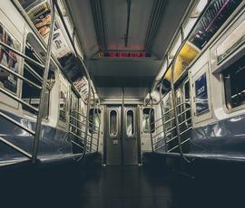 На 5 Линии петербургского метро заговорят по-английски