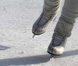 Дороги Петербурга покрылись ледяной коркой