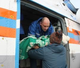 Спецборт МЧС доставил в Петербург больную девочку из Твери