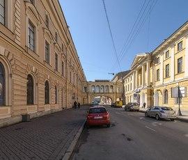 Петербургские руферы спели горожанам с крыши Главпочтамта