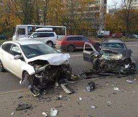 В ДТП на севере Петербурга пострадали трое