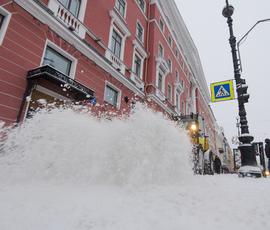 Петербургу обещают скользкую и снежную субботу