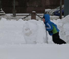 Московский снегопад доберется до Северной столицы