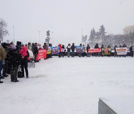 Митинг собрал сотню разгневанных жителей Мурино
