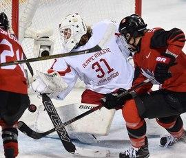 Хоккеистки из России проиграли канадкам в первом матче Олимпиады