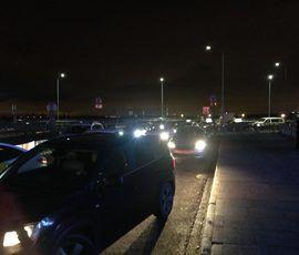 В Пулково водители высаживают пассажиров на ходу из-за гигантской пробки