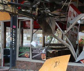 Малый бизнес Петербурга выйдет на митинг против сноса павильонов у метро