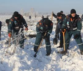Глава МЧС потребовал увеличить зону поисков на месте крушения АН-148