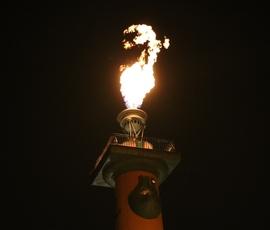 В честь празднования китайского Нового года в Северной столице зажгли Ростральные колонны