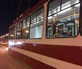 На Московском проспекте стреляли в трамвай