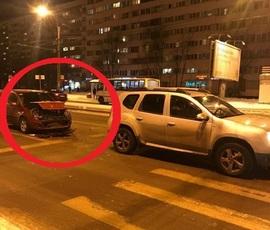 На улице Симонова столкнулись два автомобиля