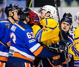 Петербургские хоккейные клубы выиграли первые матчи плей-оффа ВХЛ