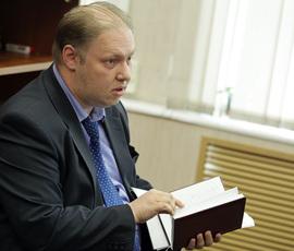 """Политические аресты вызвали у Резника отвращение к """"шарикам и гирляндам"""""""
