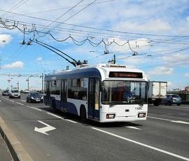 Трамваи и троллейбусы в Петербурге переводят на предвыборное усиление
