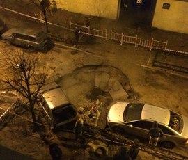 Кипяток затопил парадные и машины на 9-ой Советской