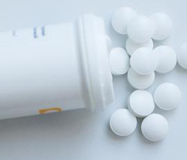 """Ученые создали антибиотик, который убьет неуязвимые """"супермикробы"""""""