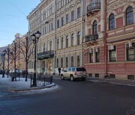 Закрывшееся генконсульство США в Петербурге отменило записи по СМС