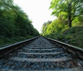 Поезд из Москвы опоздал в Петербург из-за сломанного вагона
