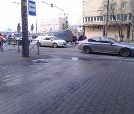 Машина сбила девочку на Якорной улице