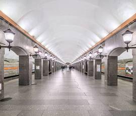 Забывчивые пассажиры остановили работу двух станций метро в Петербурге