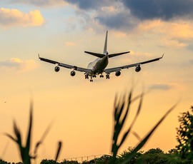 Суд Ленобласти разрешил курение в самолетах