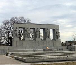 В Петербурге затопило Серафимовское кладбище