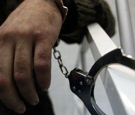 СК возбудил дело в отношении петербуржца, надругавшегося над мальчиком в парадной