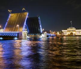 Ночью в Петербурге разведут четыре моста