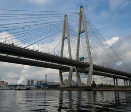 Движение по Обуховскому мосту ограничат с 20 апреля