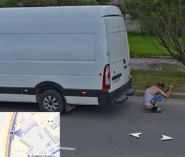 """Справляющий нужду житель Пскова попал в панораму """"Яндекса"""""""