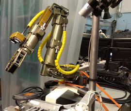 """В Петербурге создали мощного робота-""""краба"""""""
