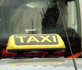 Петербургские таксисты не считают каршеринг конкурентом