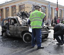"""""""Форд"""" на Выборгском шоссе загорелся, как спичка"""
