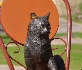 В Петербурге открыли памятник блокадной кошке
