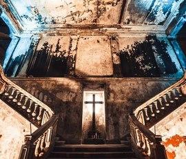 Чиновники окончательно замуровали Анненкирхе в обгорелых стенах