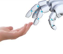 Американские ученые создали робота, который способен одевать пациентов
