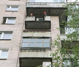 На Садовой украинка лишилась пальца при падении с балкона