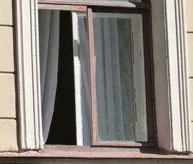 Трехлетний мальчик выпал из окна в Выборге