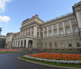 Председателя комитета территориального развития в Петербурге обвинили в нарушении конституции