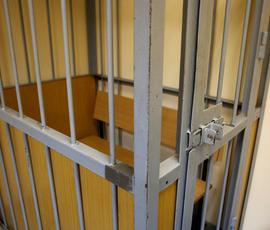 Задолжавший 700 тысяч дочери петербуржец отправится в тюрьму
