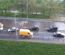 На Белградской дорога превратилась в реку
