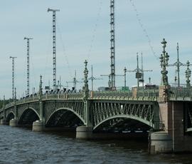Ночью в Петербурге разведут мосты