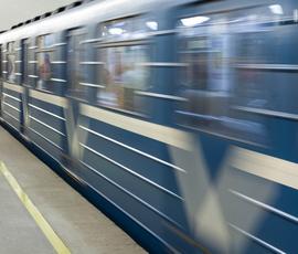 """Герой-любовник на """"Садовой"""" бился головой об вагон поезда"""