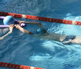 В Петербурге в больнице умер 8-летний мальчик, которого засосало в фильтр бассейна