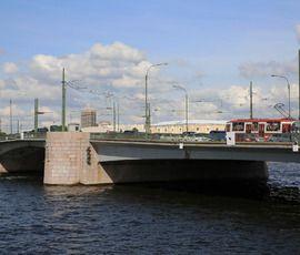 Тучков мост закроют почти на неделю
