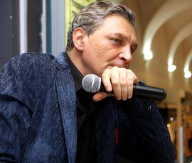 Невзоров призвал застроить Петербург небоскребами