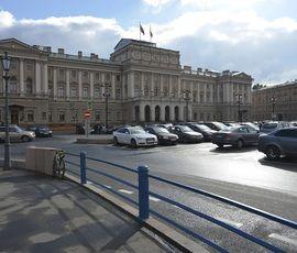 За охрану петербургских депутатов бюджет выложит 33 миллиона
