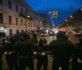 Сторонники Навального собрались разбить лагерь на Дворцовой площади