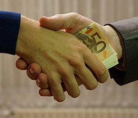 Чайка назвал ущерб от коррупции в России